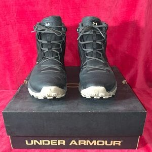 Men's Under Armour Boots! Great condition!
